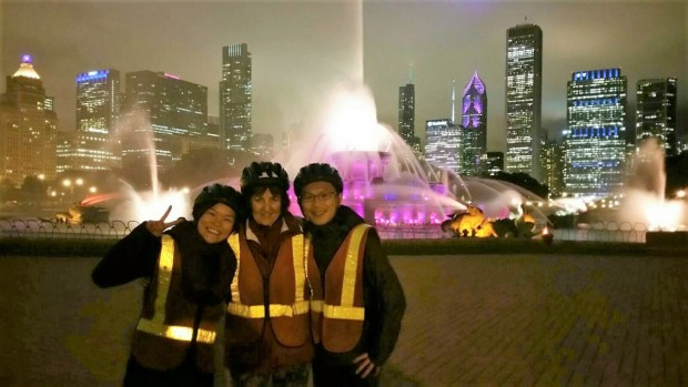 Sarah (centre) on a City Lights bike tour of Chicago during her Fulbright exchange